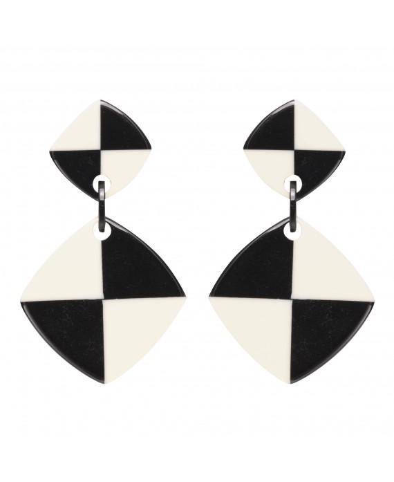 BOUCLES D'OREILLES losange damier noir et blanc en résine- Marion Godart