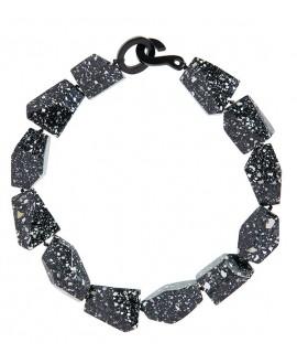 Collier glaçons facettés granit noir en résine marion godart