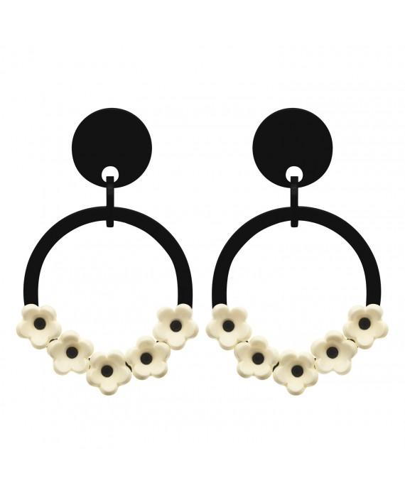 Créoles noires à clip noir et fleurs blanches marion godart